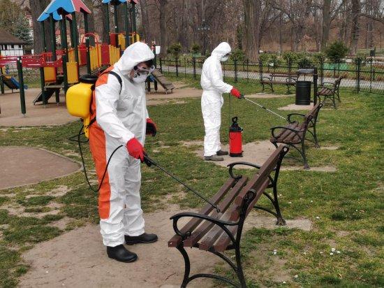 Ząbkowice rozpoczęły akcję dezynfekcji miejsc publicznych