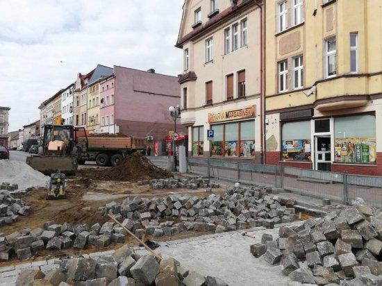 W Ziębicach trwa przebudowa ul. Małej i naprawa nawierzchni w Rynku