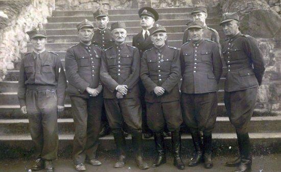 Generał Drapella i współosadzeni w oflagu VIIIB.