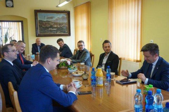 Spotkanie samorządowców z ministrem Dworczykiem