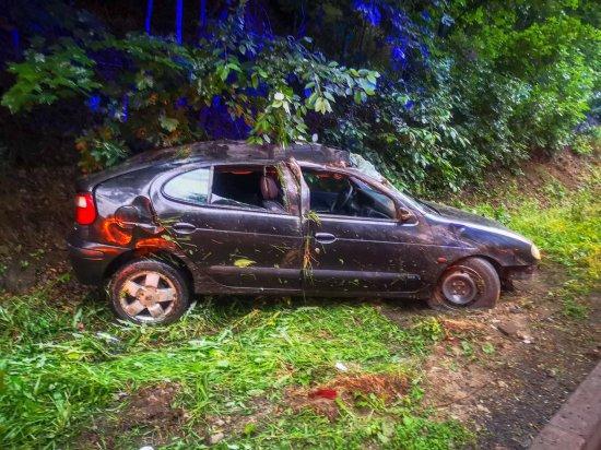 Renault dachowało na k8 na Dębowinie