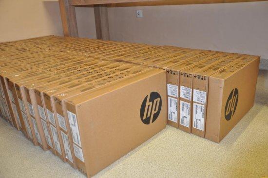 75 laptopów dla dzieci w pieczy zastępczej