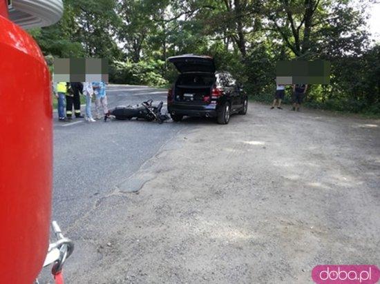 Zderzenie osobówki i motocykla między Kamieńcem a Byczeniem
