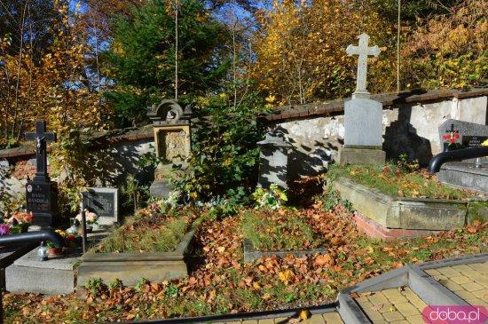 Ślady historii – Cmentarz w Bardzie
