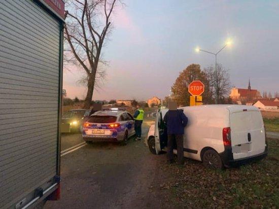 Zderzenie dwóch samochodów w Kamieńcu Ząbkowickim