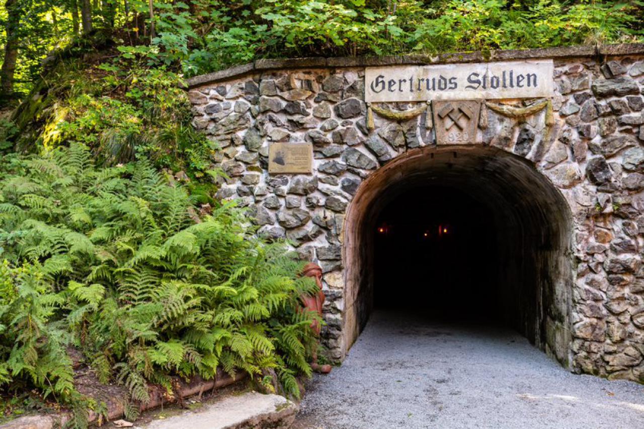 Wejście do sztolni Gertruda znajdującej się w kopalni w Złotym Stoku. Zanieczyszczenie wód kopalnianych arsenem znacznie zmalało w ciągu ostatnich 30 lat.