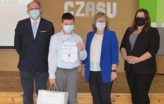 """II Powiatowy Konkurs Historyczny """"Kapsuła Czasu"""""""