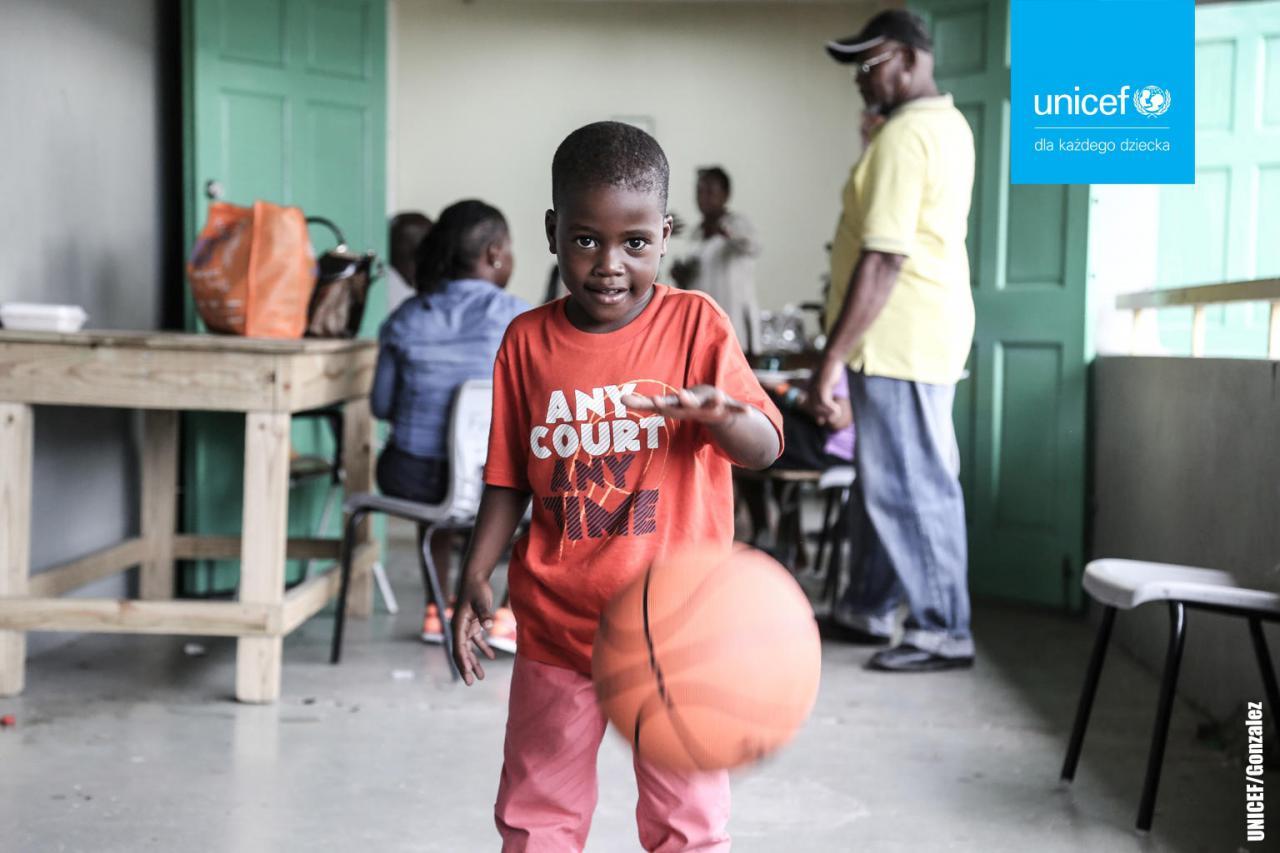 UNICEF Polska: Podaruj dziecku Prezent życia