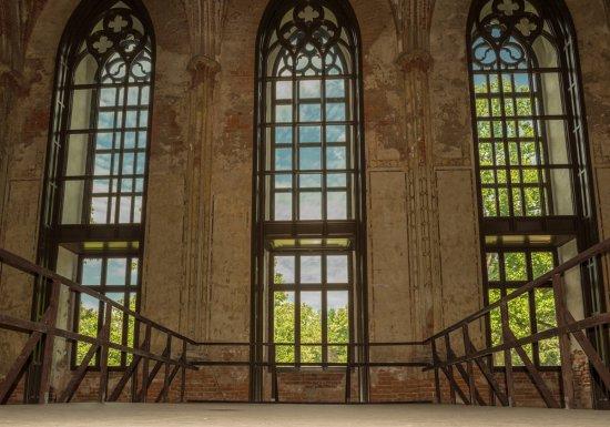 Zakończyła się rekonstrukcja stolarki okiennej w Pałacu Marianny Orańskiej