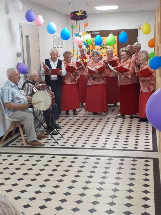 Powitanie lata w Dziennym Domu Opieki Medycznej w Ząbkowicach Śląskich
