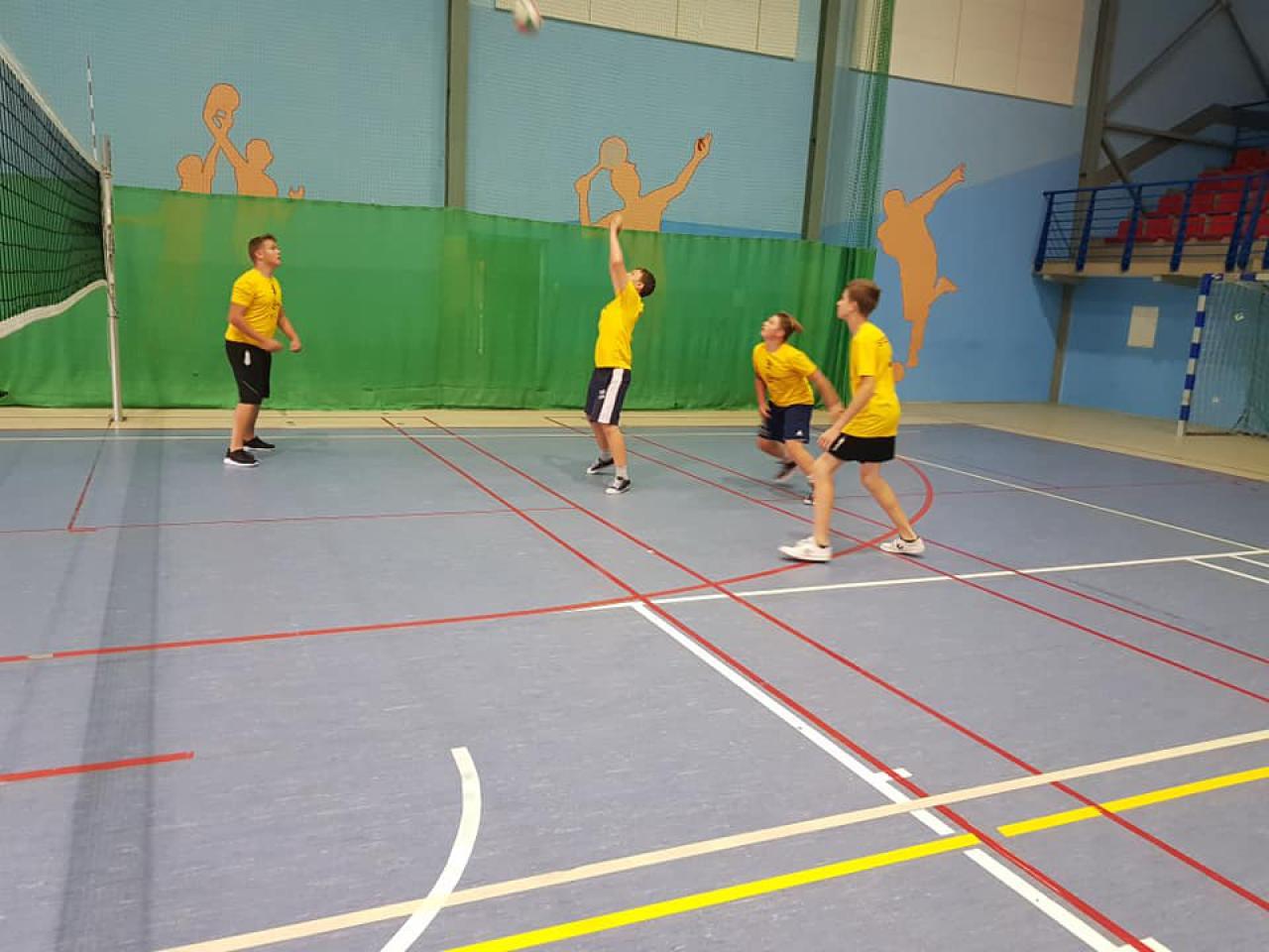 [FOTO] Za nami pierwszy turniej piłki siatkowej organizowany w hali Słoneczna
