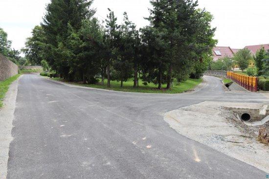 Zakończono przebudowę dróg w Sieroszowie i Braszowicach