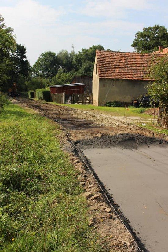 Trwa remont drogi w Przedborowej
