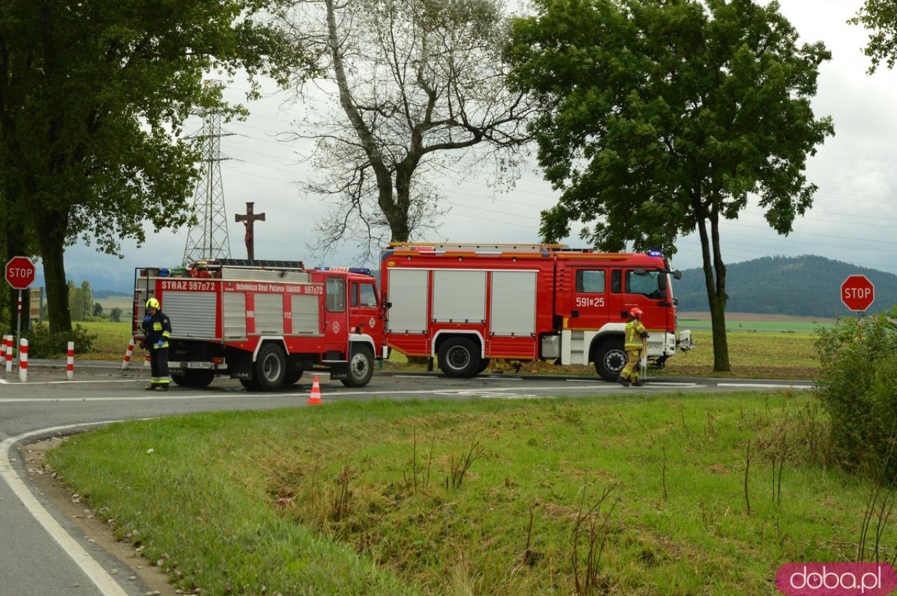 Wypadek na trasie Ząbkowice Śląskie - Stoszowice. Jedna osoba poszkodowana