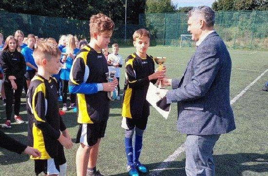 Turniej szkół podstawowych w piłkę nożną o Puchar Burmistrza Ząbkowic Śląskich Kategorie