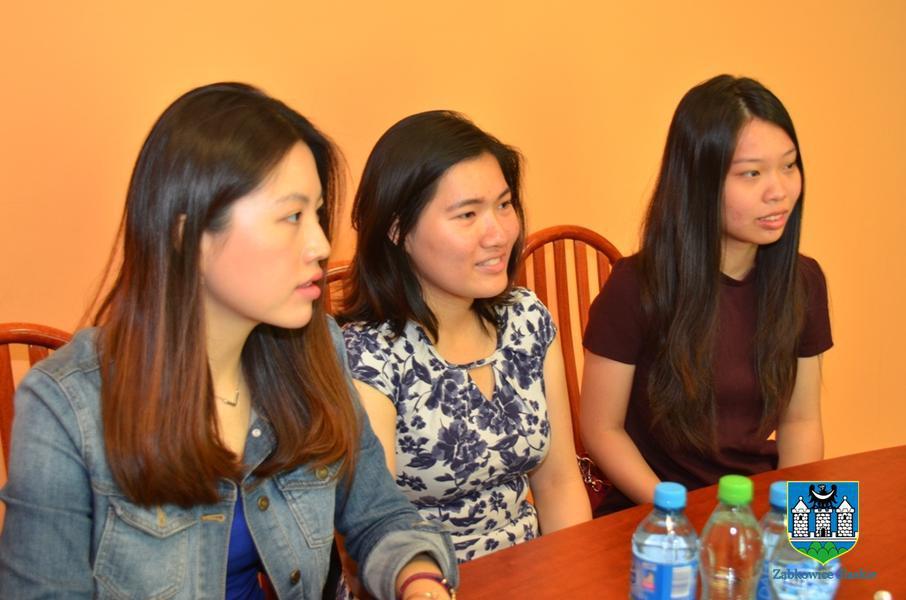 Azjatyckie studentki